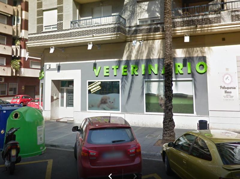 Fachada Centro Veterinario Pallares A